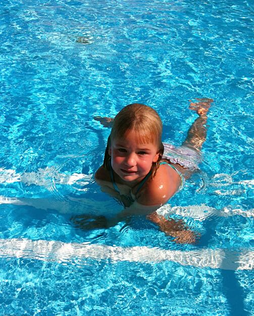 Kind im Wasser - Das Schwimmhuis